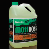 【Pick Up:苔等除去剤モスボス】梅雨が来る前にしっかりお手入れ!「カビ」「藻」「苔」対策できる簡単除去剤!